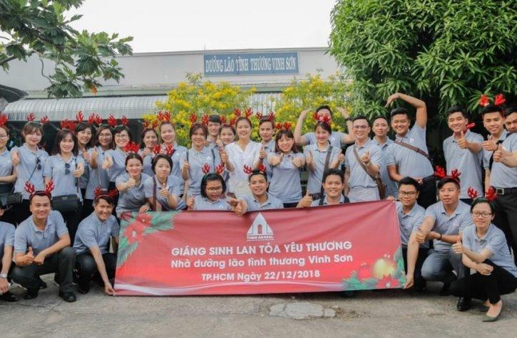 Sharing Love at Vinh Son's nursing home in Christmas season
